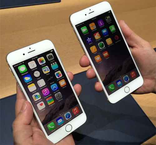 iphone 6 и 6 plus в руках