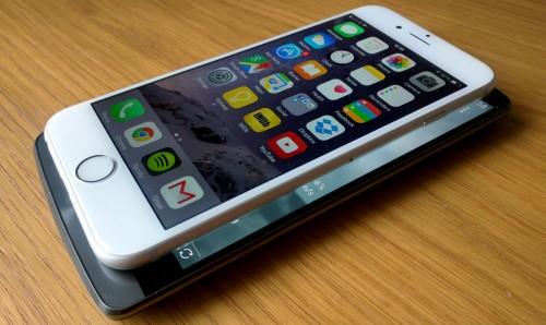 iPhone 6 лежит на Lg g3