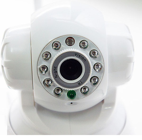 Зеленый мигающий индикатор внизу камеры