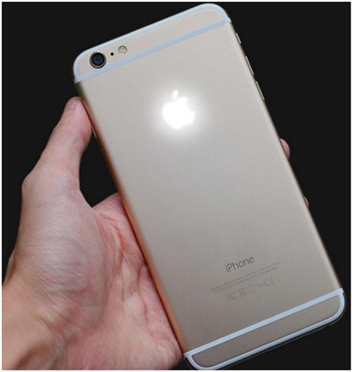iPhone 6 и его светящееся яблоко