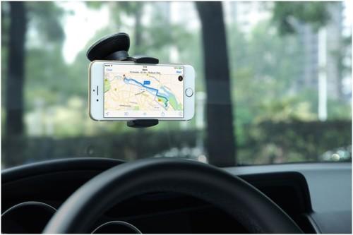 iPhone 6 и автодержатель XtandGoZ1 на лобовом стекле