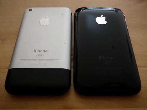 iPhone 2G и iPhone 3G вид сзади