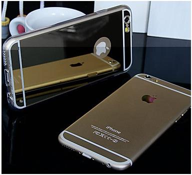 iPhone отражается в зеркальной накладке