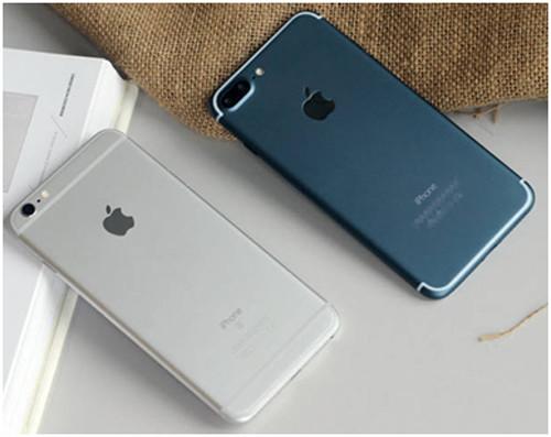 Две разные модели iPhone