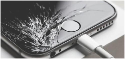 Разбитый iPhone