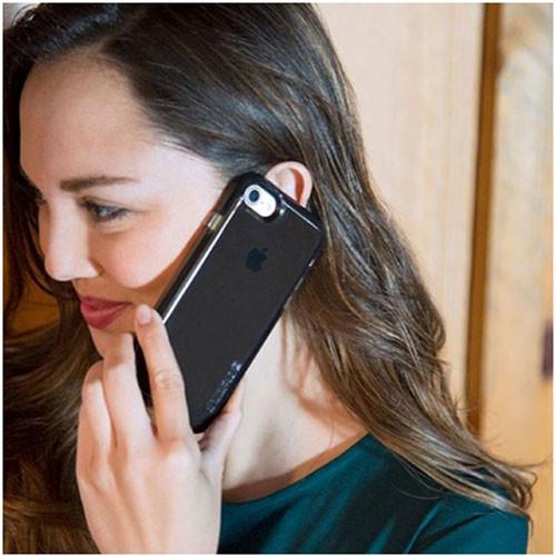 Черный чехол Incipio OX на iPhone